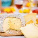 Almnäs Bruk, ekologisk ost, wrångebäcksosten, anno 1225, källarlagrad, almnäs tegel, munkar, kräftskiva, pilgrimsvandring, mejeri (13)