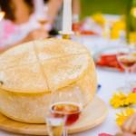 Almnäs Bruk, ekologisk ost, wrångebäcksosten, anno 1225, källarlagrad, almnäs tegel, munkar, kräftskiva, pilgrimsvandring, mejeri (14)
