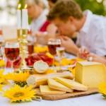 Almnäs Bruk, ekologisk ost, wrångebäcksosten, anno 1225, källarlagrad, almnäs tegel, munkar, kräftskiva, pilgrimsvandring, mejeri (18)