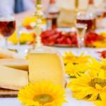Almnäs Bruk, ekologisk ost, wrångebäcksosten, anno 1225, källarlagrad, almnäs tegel, munkar, kräftskiva, pilgrimsvandring, mejeri (19)