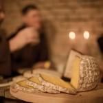 Almnäs Bruk, ekologisk ost, wrångebäcksosten, anno 1225, källarlagrad, almnäs tegel, munkar, kräftskiva, pilgrimsvandring, mejeri (26)