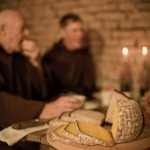Almnäs Bruk, ekologisk ost, wrångebäcksosten, anno 1225, källarlagrad, almnäs tegel, munkar, kräftskiva, pilgrimsvandring, mejeri (27)