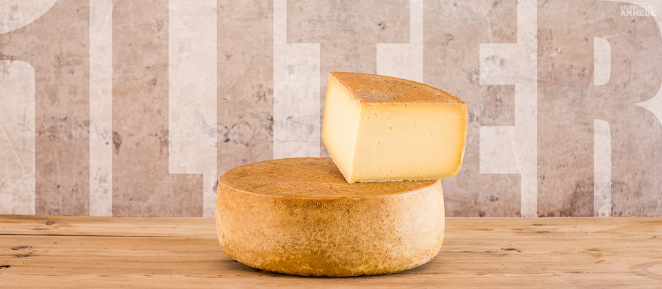 Almnäs 1 liter - Produktfotografering av ost för Almnäs Bruk - Commercial product photography, fine heritage cheese from Almnas, Sweden