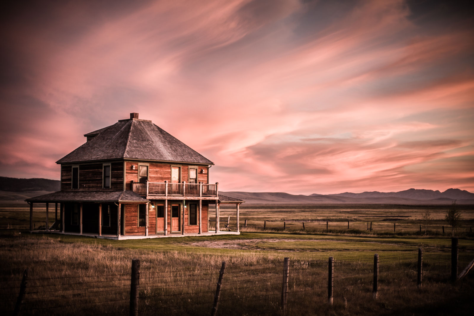 Ranch photographer for J Bar L Ranch, Centennial Valley, Montana, USA