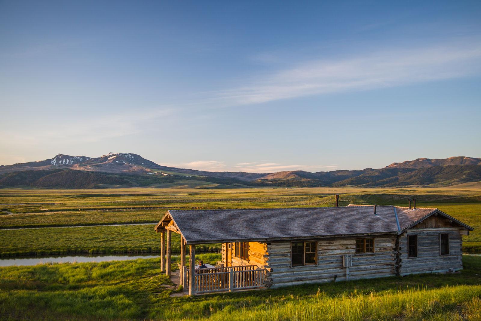 Ventyrsfotograf resefotograf f r j bar l ranch for Montana ranch house