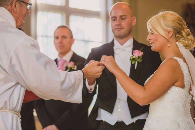 brollopsfotograf-habo-jonkoping-vigsel-wedding-photographer-ceremony-14