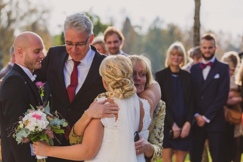 brollopsfotograf-habo-jonkoping-vigsel-wedding-photographer-ceremony-40