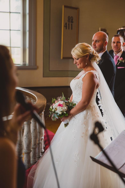 Vigsel - Bröllopsfotograf i Habo och Jönköping - Wedding photographer - Ceremony