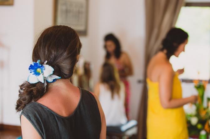 Bride preparations - Wedding photographer in the Seychelles