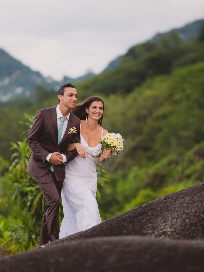 Giving away the bride - Wedding photographer in the Seychelles