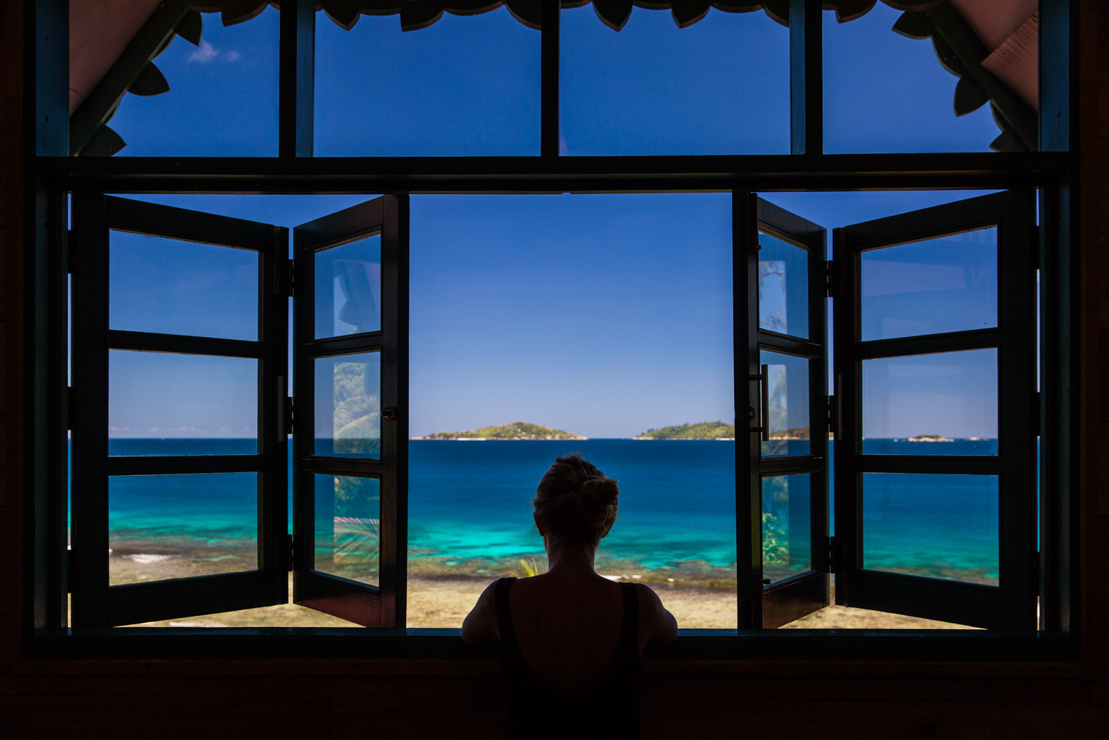 beach, chillax, destination photographer, destinationsfotograf, fotograf, la digue, palm tree, paradise, photographer, reading, relax, resefotograf, seychellerna, seychelles, travel, travel photographer, vacation, vacation home, house rental