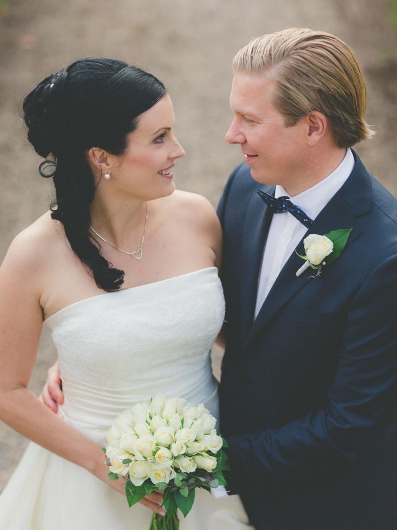 Wedding photographer in Jönköping - Anna & Jonathan in Järsnås church
