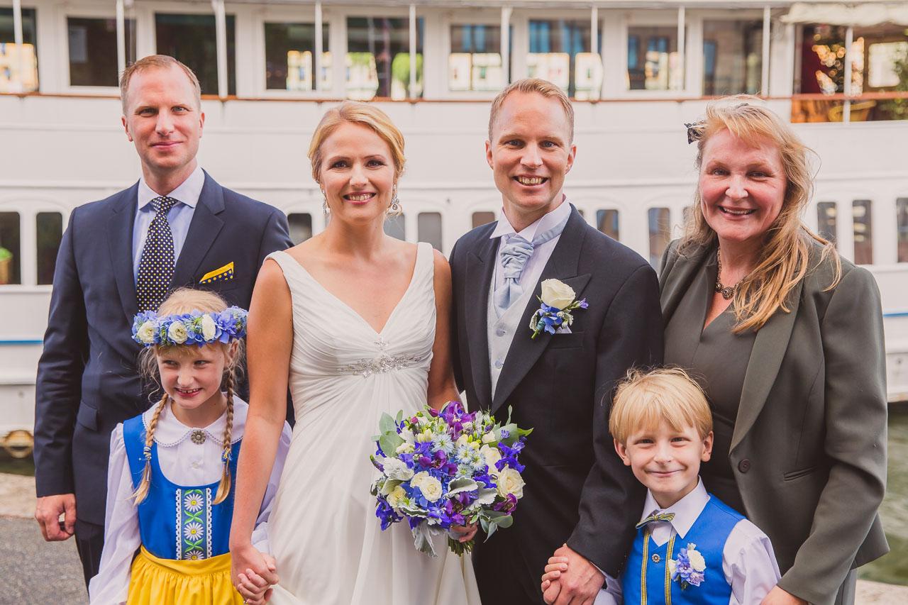 dffe6942e10e brollopsfotograf-stockholm-gustavsberg-vii-wedding-photographer-sweden-6