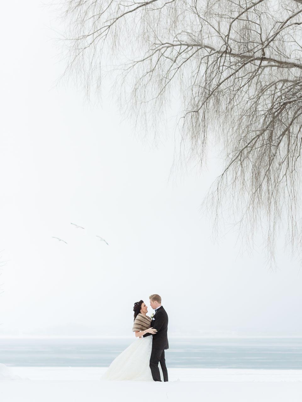 Bröllopsfotograf Vadstena Klosterhotell, Örberga kyrka, Östergötland - Vinterbröllop