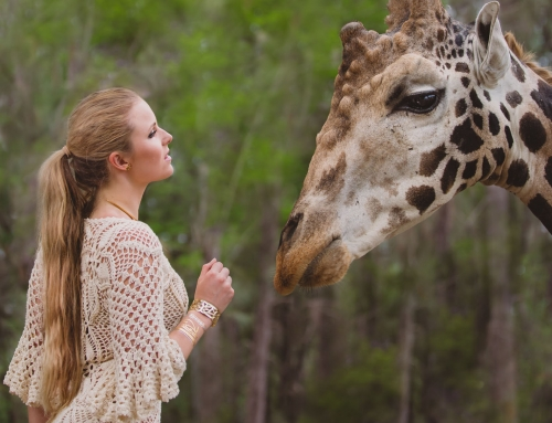 Photo tips for fashion photography – Always have a giraffe
