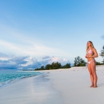beach-girl-bikini-ocean-bird-island-seychelles-wanderlust-travel-photograper