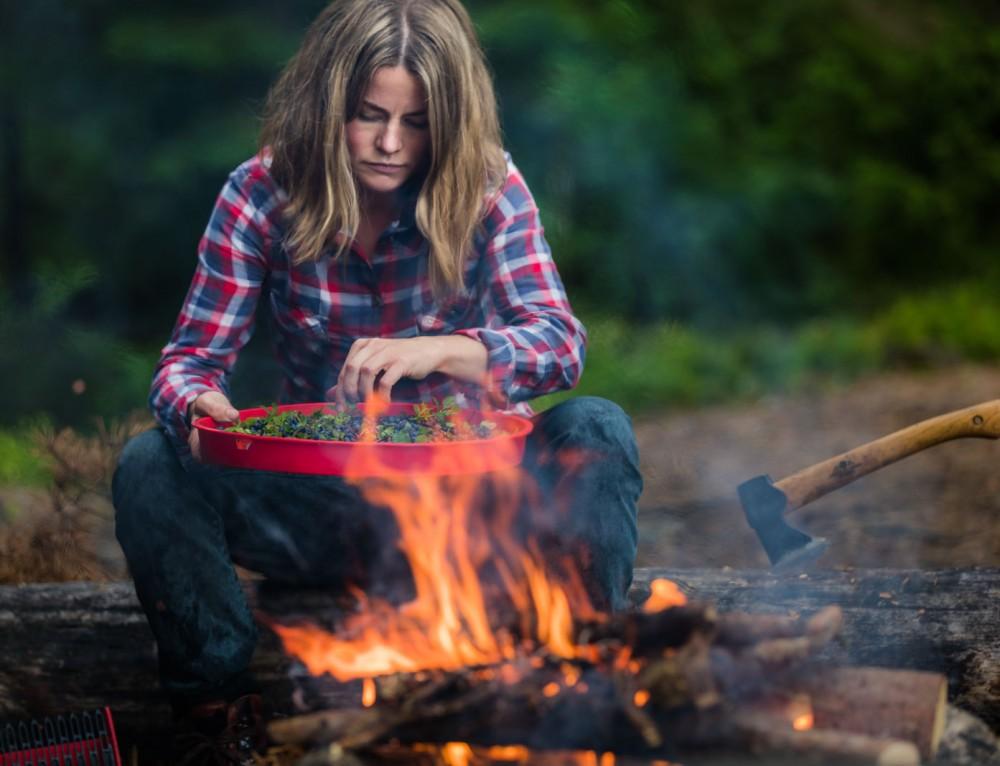 Bushcraft, blueberries & bonfire
