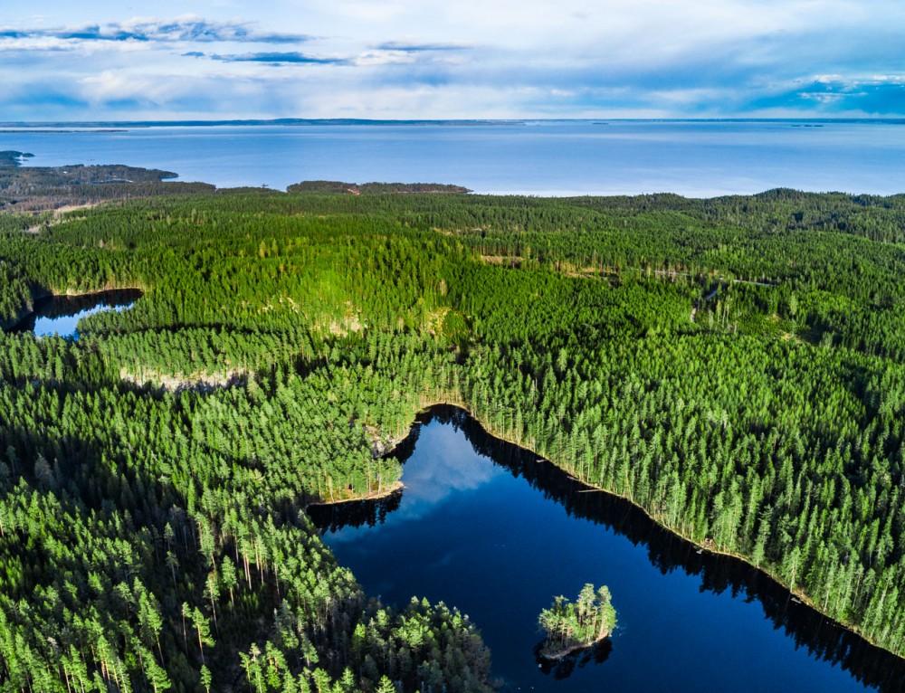 Lake Djäkna, Tiveden, Sweden