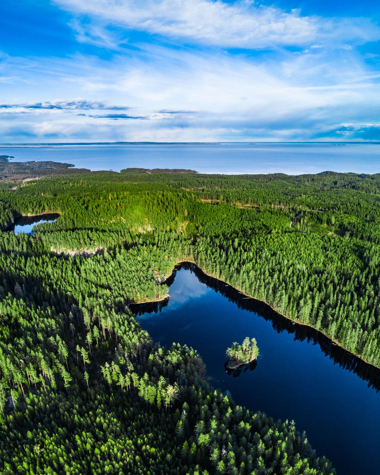 Aerial photographer, Djäknasjön, Tiveden, Karlsborg, Sweden