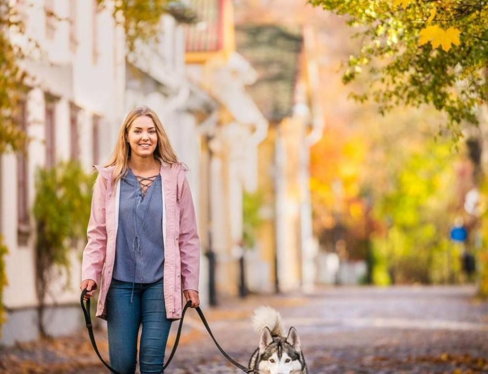 Swedish autumn photo session in Hjo with @amandabjurstrom 🍂