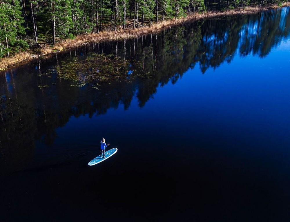 Blackwater stand up paddle – Tiveden, Sweden