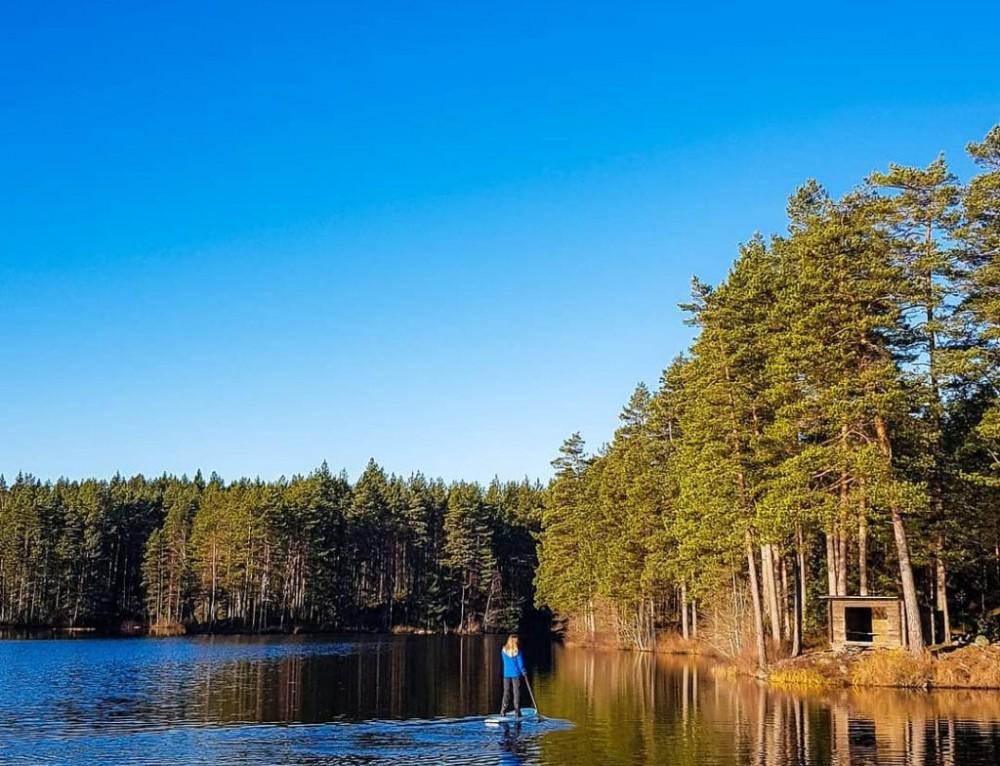 Stand up paddle – Tiveden, Sweden With @amandabjurstrom