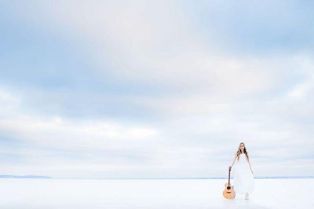 Singer-songwriter @CeciliaKallin is cool. #singersongwriter #artist #music #winter #white