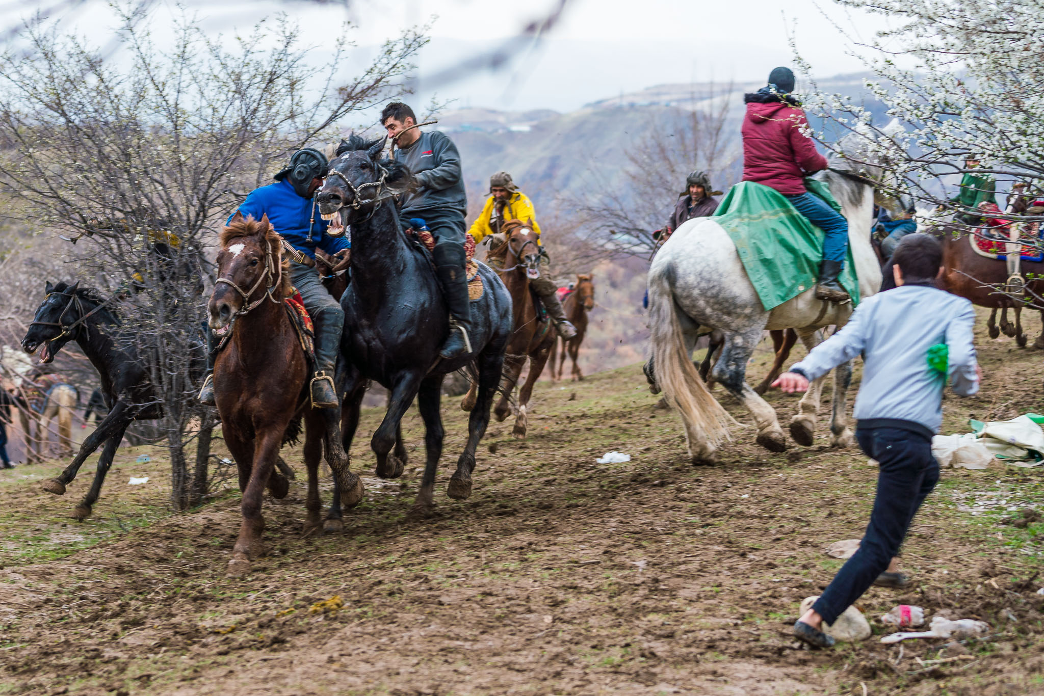 buzkashi-extended-gameplan-fleeing-audience-tajikistan-central-asia