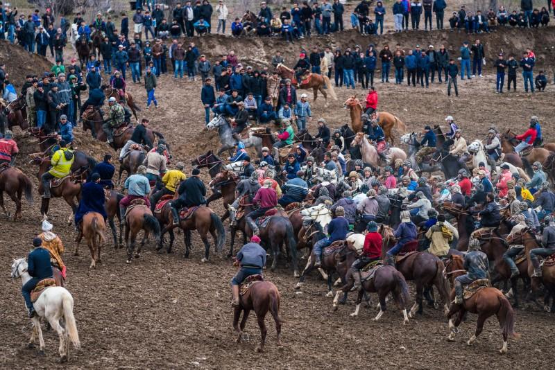 buzkashi-goal-audience-riders-horsestajikistan-central-asia