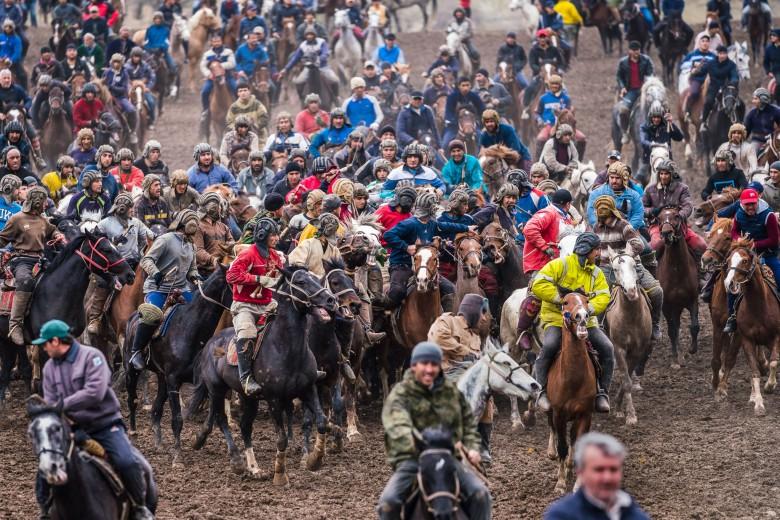 buzkashi-horses-race-chapandaz-tajikistan-central-asia