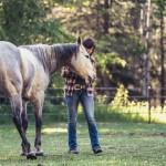 editorial-portrait-photographer-blind-horse-lea-cowgirl-louise