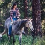 elsa-deaf-dog-lea-blind-horse-cowgirl-louise-