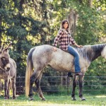storytelling-editorial-blind-horse-lea-cowgirl-louise-donkey-snickers