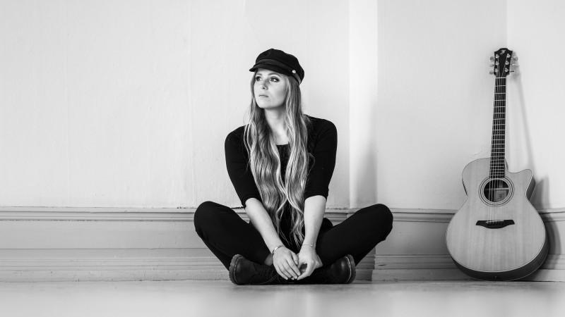 Station music video by Cecilia Kallin - singer-songwriter, artist, musikvideo