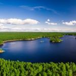 sverige-utomhus-natur-friluftsliv-skog-sjo-vatten-flygfoto