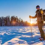 sverige-utomhus-natur-friluftsliv-turskidor-solnedgang-vinter