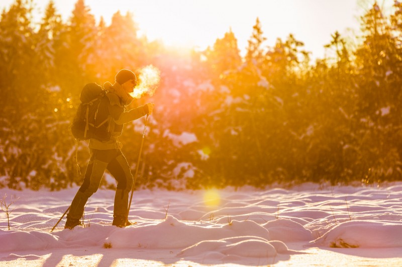 sweden-nature-outdoor-nordic-skiing-sunset-winter