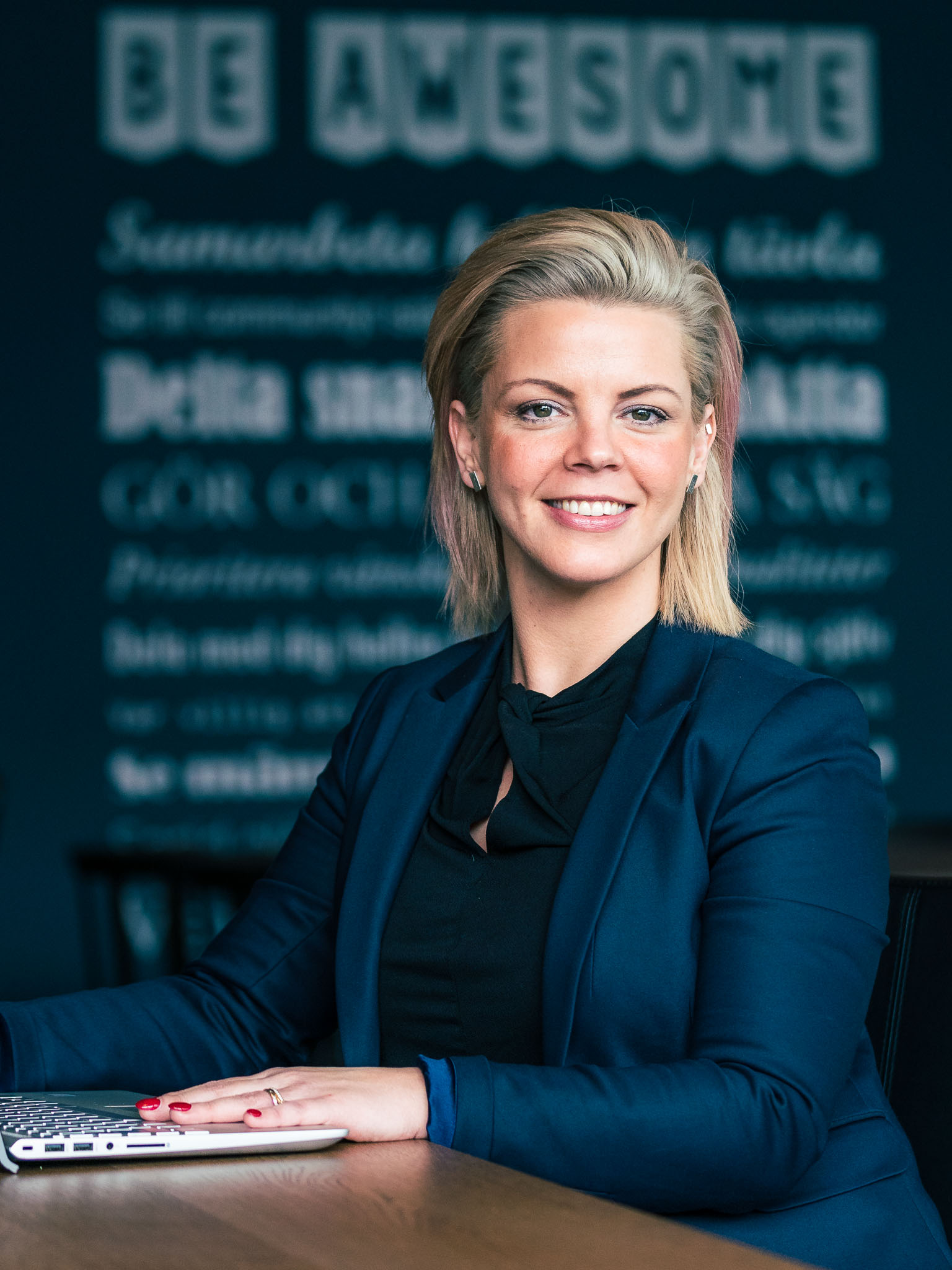 jonna-nyberg-business-portrait-corporate-headshot-retorikverkstaden-skovde-sweden